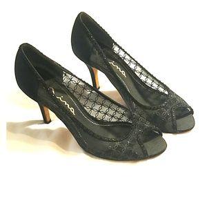 Nina black lace peep toe pumps 9.5